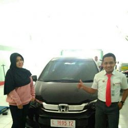 Foto Penyerahan Unit 7 Sales Marketing Mobil Dealer Honda Eko
