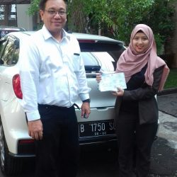 Foto Penyerahan Unit 7 Sales Marketing Mobil Dealer Suzuki Refni