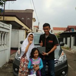 Foto Penyerahan Unit 7 Sales Marketing Mobil Dealer Suzuki Wisnu