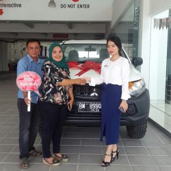 Foto Penyerahan Unit 8 Sales Marketing Mitsubishi Pekanbaru Izumi