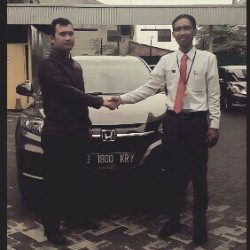 Foto Penyerahan Unit 8 Sales Marketing Mobil Dealer Honda Cibubur Yudi