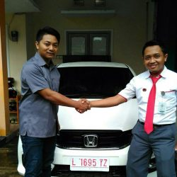 Foto Penyerahan Unit 8 Sales Marketing Mobil Dealer Honda Eko