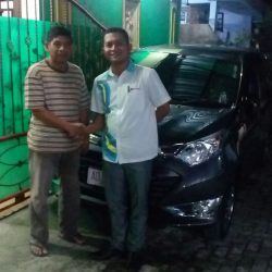 Foto Penyerahan Unit 9 Sales Marketing Mobil Dealer Daihatsu Solo Bowo