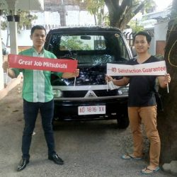 Foto Penyerahan Unit 9 Sales Marketing Mobil Dealer Mitsubishi Solo Agus