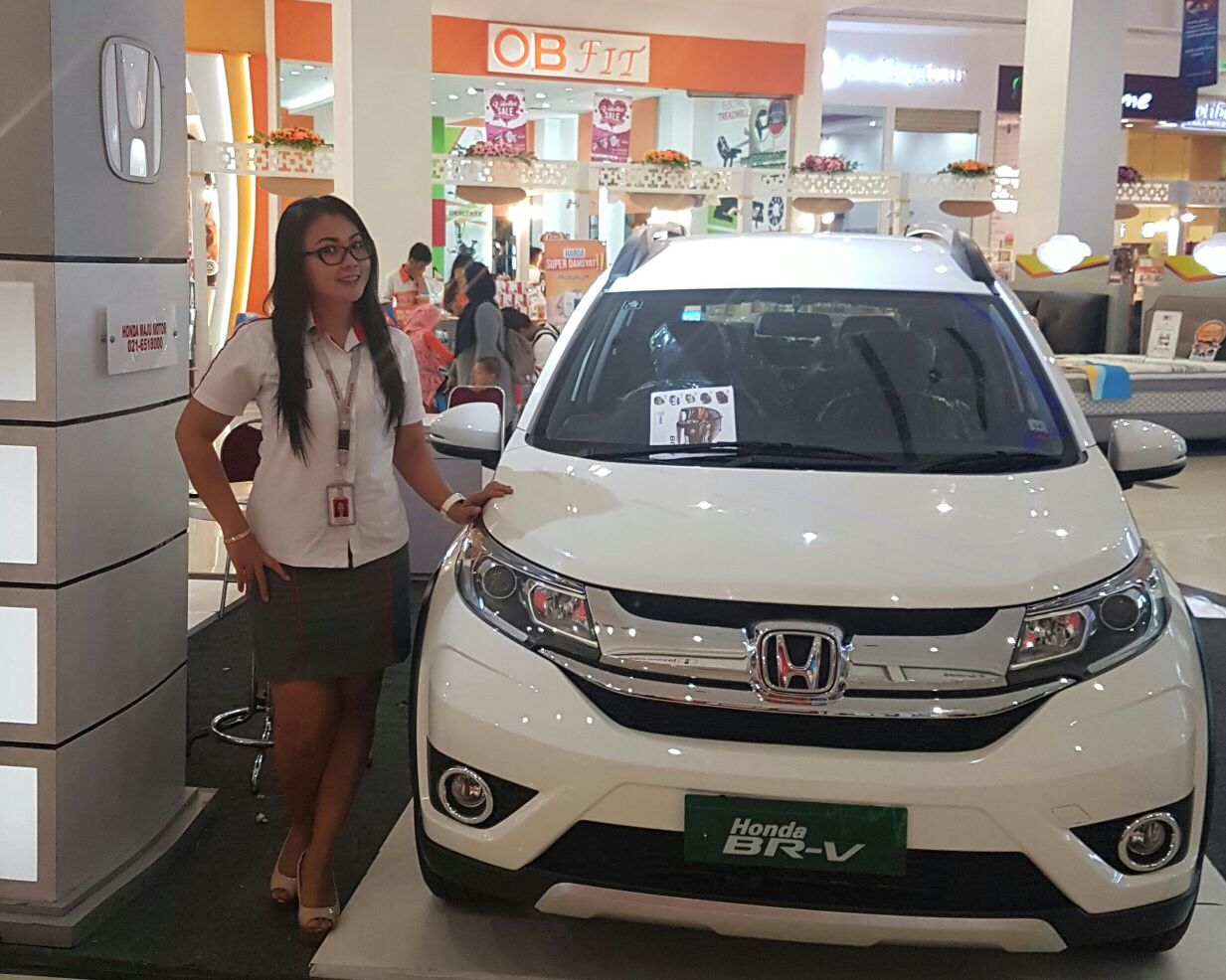 Sales Marketing Mobil Dealer Honda Cikarang Widia