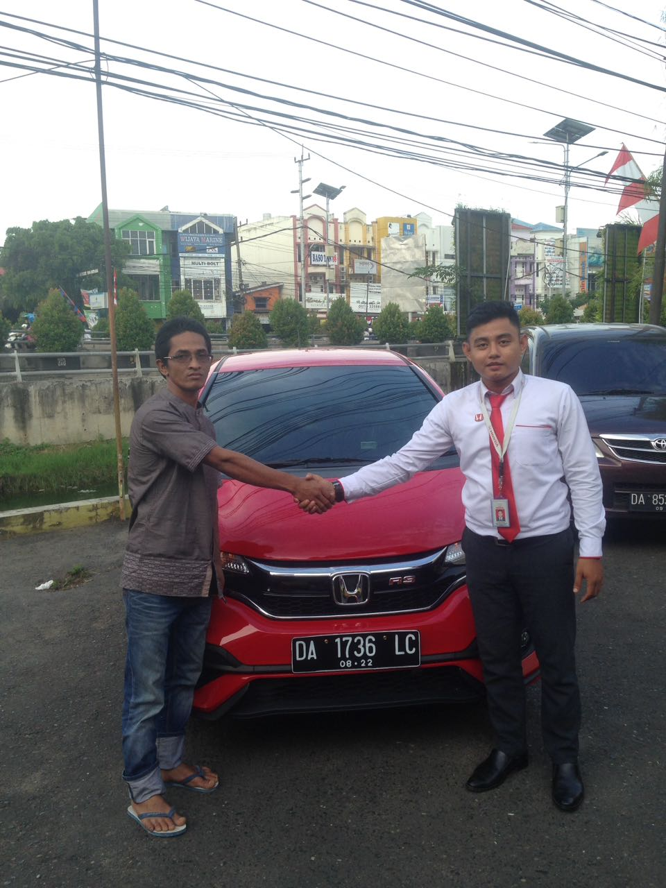 Sales Marketing Mobil Dealer Sales Marketing Mobil Dealer Honda Banjarmasin Ibnu