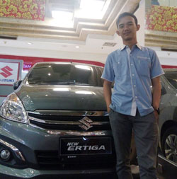 sales-marketing-mobil-dealer-suzuki-surabaya-bayu