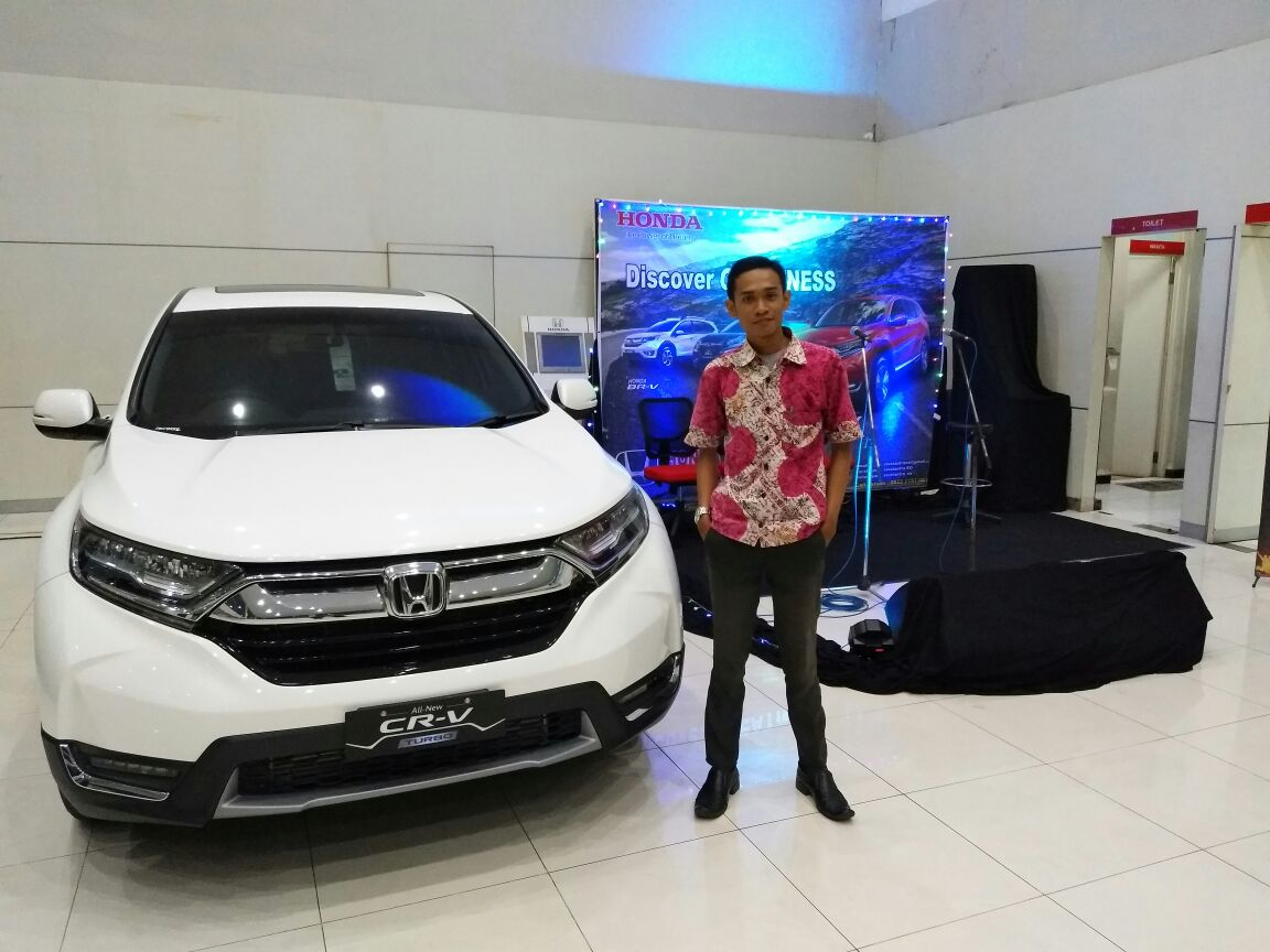 Sales Marketing Mobil Honda Kudus Risky