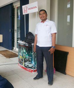 sales-marketing-mobil-honda-purwakarta-andri-naldi