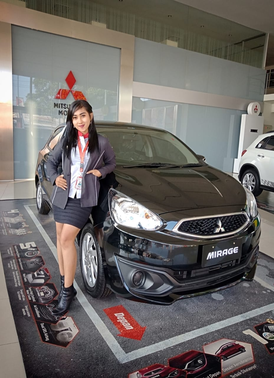 Sales Marketing Mobil Dealer Mitsubishi Putri