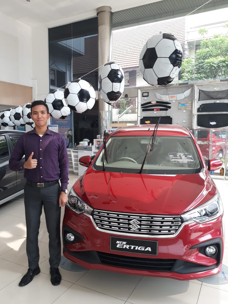 Sales Marketing Mobil Dealer Suzuki Sondhi