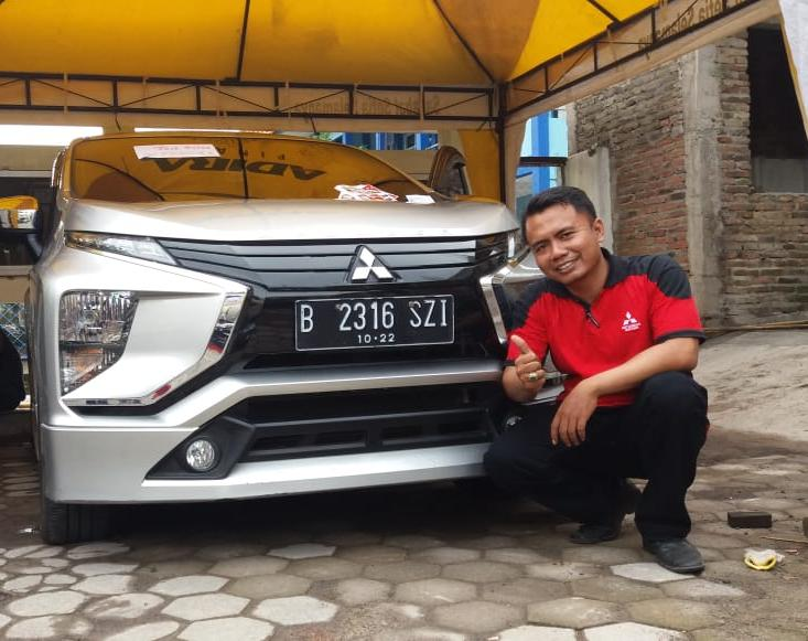 Sales Marketing Mobil Dealer Mitsubishi Dwik