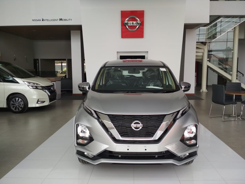 Sales Marketing Mobil Dealer Nissan Subrata