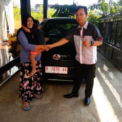 DO 2 Sales Marketing Mobil Dealer Toyota Lucky