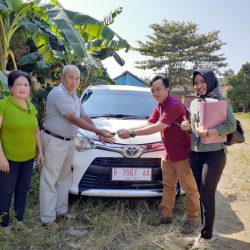 DO 3 Sales Marketing Mobil Dealer Toyota Lucky