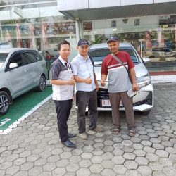 DO 4 Sales Marketing Mobil Dealer Toyota Lucky