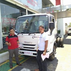 DO 10 Sales Marketing Mobil Dealer Isuzu Makassar Firman